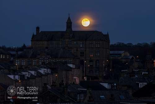 Barkerendmill_Bradford_sunset_moonrise_1720