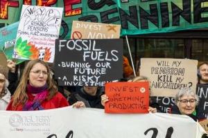 1_Fossilfreewestyorkshirepensionsfund_Bradford_3204
