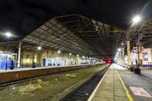 Huddersfieldtrainstation_2632