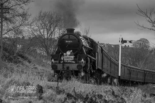 44871+black+5+keighley+worth+valley+railway+kwvr_8440