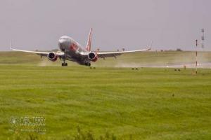 LeedsBradfordAirport_LBA_7745