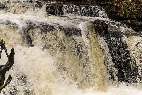 Scaleberforcewaterfall_settle_7624