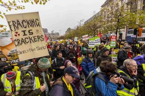 united+against+fracking+manchester_6310