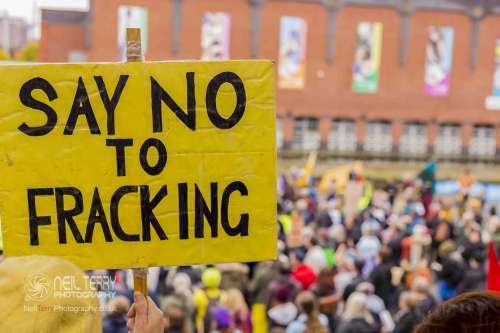 united+against+fracking+manchester_6451