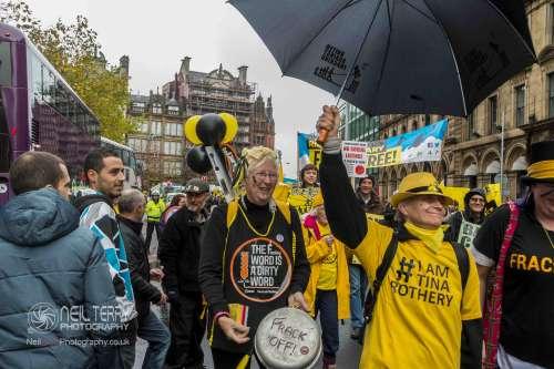 united+against+fracking+manchester_9305