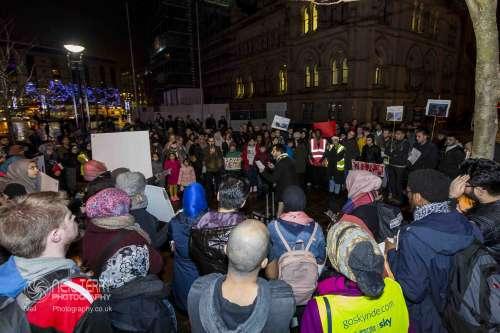 Bradford+vigil+for+syria_7336