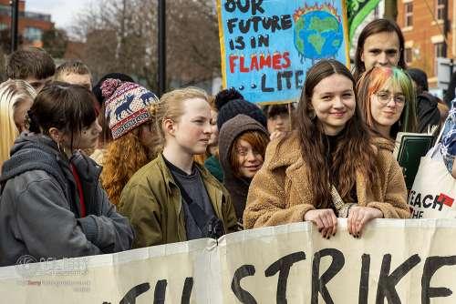 Youthstrike_Sheffield_climatechange_0813